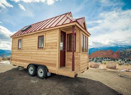 House on Wheels: Awesome Tiny House Model
