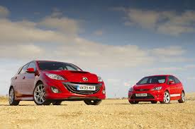 Ford Focus ST Mountune v Mazda 3 MPS | Evo