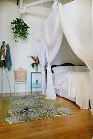Diy Canopy Bed Tips To Make Diy Canopy Bed With Curtain Rods Ideas Idolza