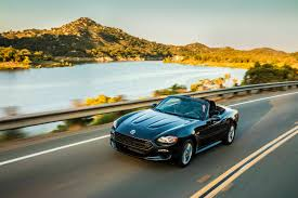 fiat spider quintessential driving pleasure automotive 2017 fiat 124 spider classica