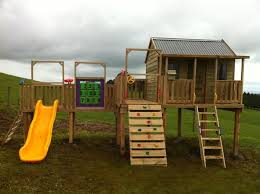 Happy Tradie Services   Get Free Quotes   Cubby houses BrisbaneCubby houses Brisbane