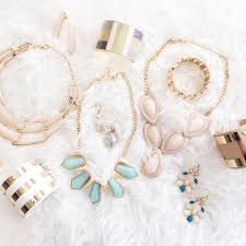 olia box from 25 month based on subscription size based on which subscription level you choose expect anywhere from two to three or four to five jewelry