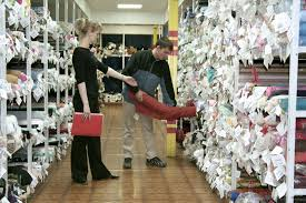 Магазин склад тканей для штор Услуги Теле радиокомпании Агентства Реклама Контрольные браслеты Пластиковые карты Рекламные конструкции