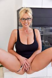 Big Boobed Blonde Milf Inserts Huge Toys And A Bottle Into Her Wide Open Pussy Big Boobs Porn Pics