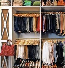How to organize the clothes in your closet