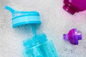 Teppichreinigungsmittel aus der drogerie und einfache hausmittel! Plastik Reinigen Und Pflegen Cleanipedia