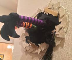 Witch Decorating Tammys Version Of The Crashed Witch In The Wall 5 Steps With