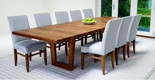 when closed this table will seat 6 8 adding 2 guests per extension giving a total of 10 12 seated when fully extended