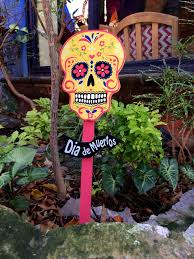 dia de los muertos doreen pendgracs chocolate you ll see decorations like this all over