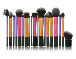 when it es to affordable quality brushes real techniques is probably the brand that es to mind you can get an entire starter set for the face or