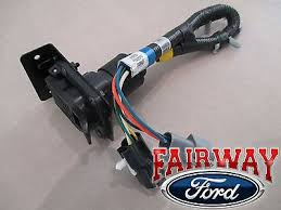 new ford f150 f250 f350 f450 4 7 pin trailer tow plug 96 bronco f 150 oem genuine ford parts trailer towing wire harness w plug