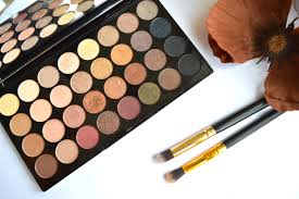 makeup revolution flawless eyeshadow palette review
