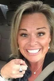 Estate agent sent nude pics of herself to her ex boyfriend s TEEN.