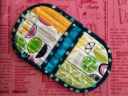Squeezy Potholder Video Tutorial | Tutorial sewing, Potholders and ... & Squeezy Potholder Video Tutorial Adamdwight.com