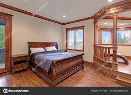 Wunderschöne Villa Schlafzimmer Innenraum Mit Schlittenbett