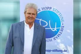 Il est l un des fondateurs en 1972 de la société informatique sap ag avec d autres anciens. Dietmar Hopp Stiftung Dietmar Hopp Mehr Als Der Forderer Eines Fussballclubs