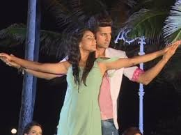 Siddharth and roshni enjoy doing romantic dance number. Jamai Raja Roshni And Siddharth S Titanic Pose In Front Of Neil