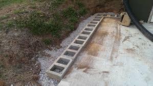 building a cinderblock retaining wall
