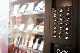 Stuck Vending Machine Best Hilarious Letter Stuck To Vending Machine Goes Viral And Everyone