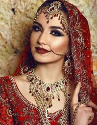and have worked in all areas of the makeup industry from fashion and television to a and print but my real pion is beauty and bridal work