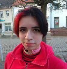 1.70 m groß und trägt schulterlange, blond gefärbte haare. 15 Jahrige Vermisst Polizei Sucht In Berlin Nach Laura F