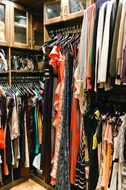 best way to hang clothes in closet how to organize your closet how to hang up clothes without closet how to hang clothes in closet