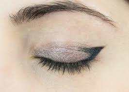 eyeliner cat eye tutorial makeup look pin this image on