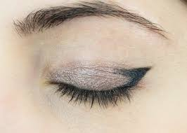 eyeliner cat eye tutorial makeup look pin this image on
