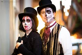 dia de los muertos day of the dead san francisco face paint skull photo jonathan clark couple in top hats