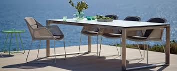 outdoor table. Elegant Outdoor Dining Table