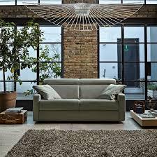 Sono veri letti intorno a cui i nostri esperti hanno costruito un comodissimo divano. Il Nuovo Catalogo Poltronesofa