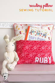 Pillow Sewing Patterns Classy How To Sew A Reading Pocket Pillow Things To Sew Pinterest