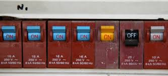 how to replace a circuit breaker fuse doityourself com how to tell if a circuit breaker is bad at Changing Fuses In Breaker Box