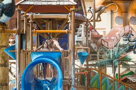 top 3 reasons to visit wisconsin dells waterparks in winter chula