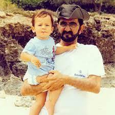 صور سمو الشيخ محمد بن راشد مع ابنه زايد