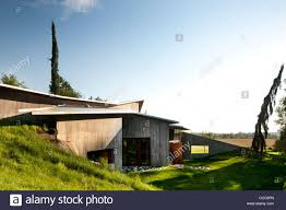 omer arbel office. 23.2 Is A House For Family, Built On Large Rural Acreage. There Omer Arbel Office