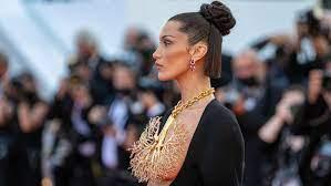 Bella Hadid Wears Stunning Schiaparelli ...