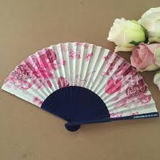 free 50pcs lot blue bamboo frame satin silk folding hand fan personalized with bride grooms name and wedding date party favors