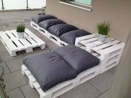 Outdoor White Pallet Furniture