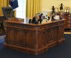 oval office desk replica. Resolute Desk Replica Compact Oval Office History Presidential Library Museum Decor . R