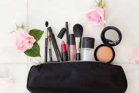 both approach a 5 minute face is a should for this busy mother so as promised right here s my each day make up routine and favourite merchandise