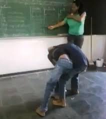 Resultado de imagem para briga em sala de aula