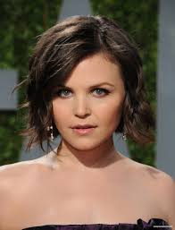 21 Trendy Hairstyles To Slim Your Round Face Ginnifer Goodwin