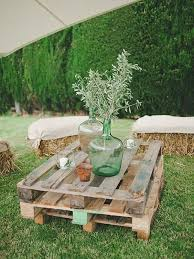 45 cool ways to use rustic wood pallets