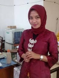 Anda bisa memilih jenis jaket anak sesuai dengan keinginan anda dan tentunya cocok untuk anak anda. Model Busana Pria Wanita Di Hari Kartini 2019 Kissparry