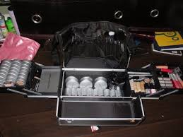whats in my esthetics makeup kit