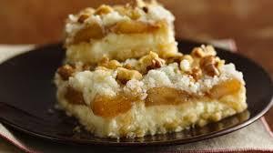 gluten free apple streusel cheesecake bars