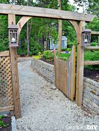 Building A Picket Fence Gate Dog Ear Picket Fence How To Build A