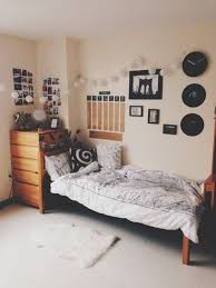 dorm room wall decor ideas dorm wall decor ideas 1000 ideas about dorm room walls on best model