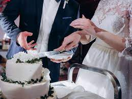 The cake cutting songs listed below are provided only as a guide to help simplify your planning. 25 Best Songs That Are Perfect For The Cake Cutting At Your Wedding